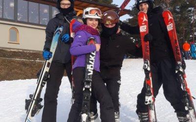 """""""Sportowy piątek"""" – narty w Arłamowie."""